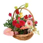 "Basket Arrangement ""Rendezvous"""