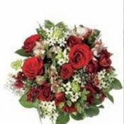 Round Bouquet in Red Colours